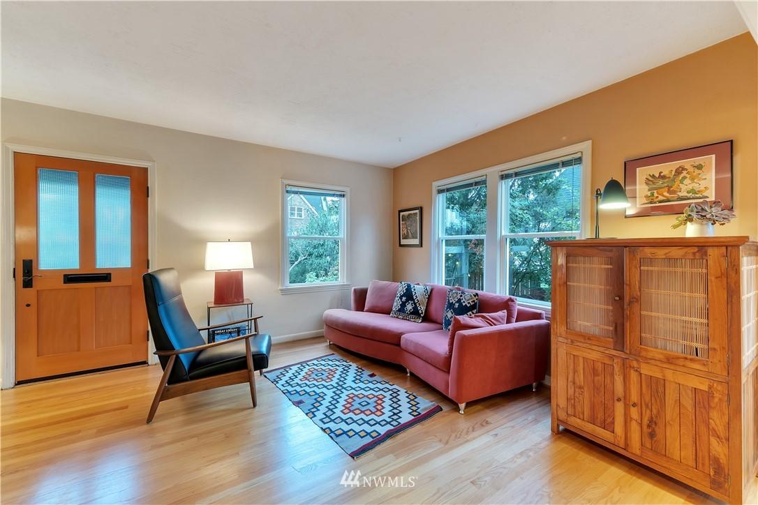 Sold Property | 3403 62nd Avenue SW Seattle, WA 98116 6