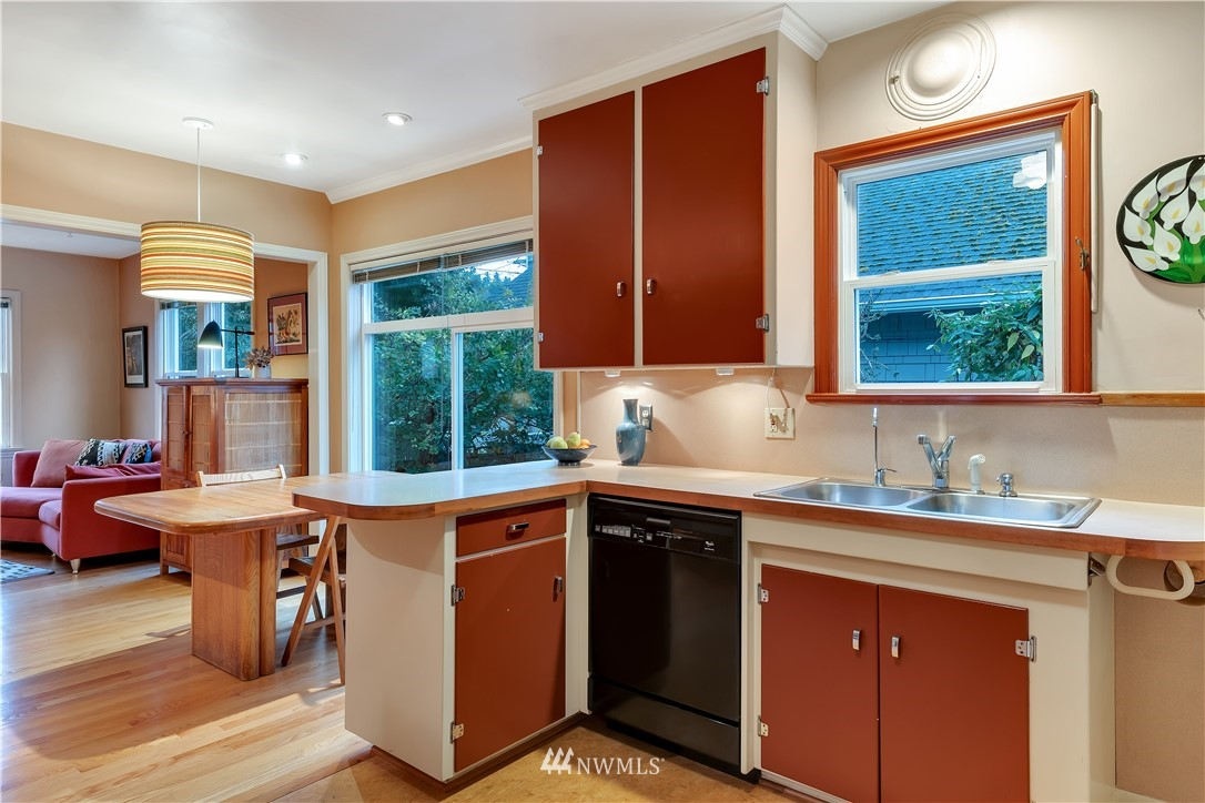 Sold Property | 3403 62nd Avenue SW Seattle, WA 98116 10