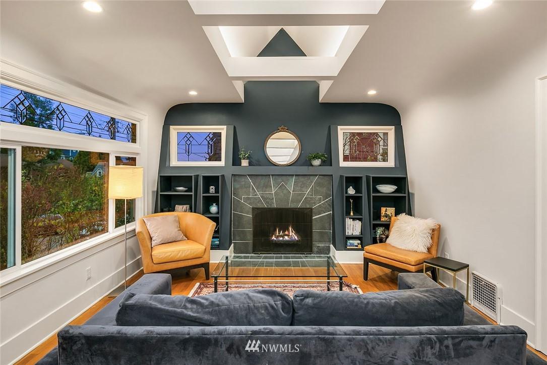 Sold Property | 2546 Warren Avenue N Seattle, WA 98109 3