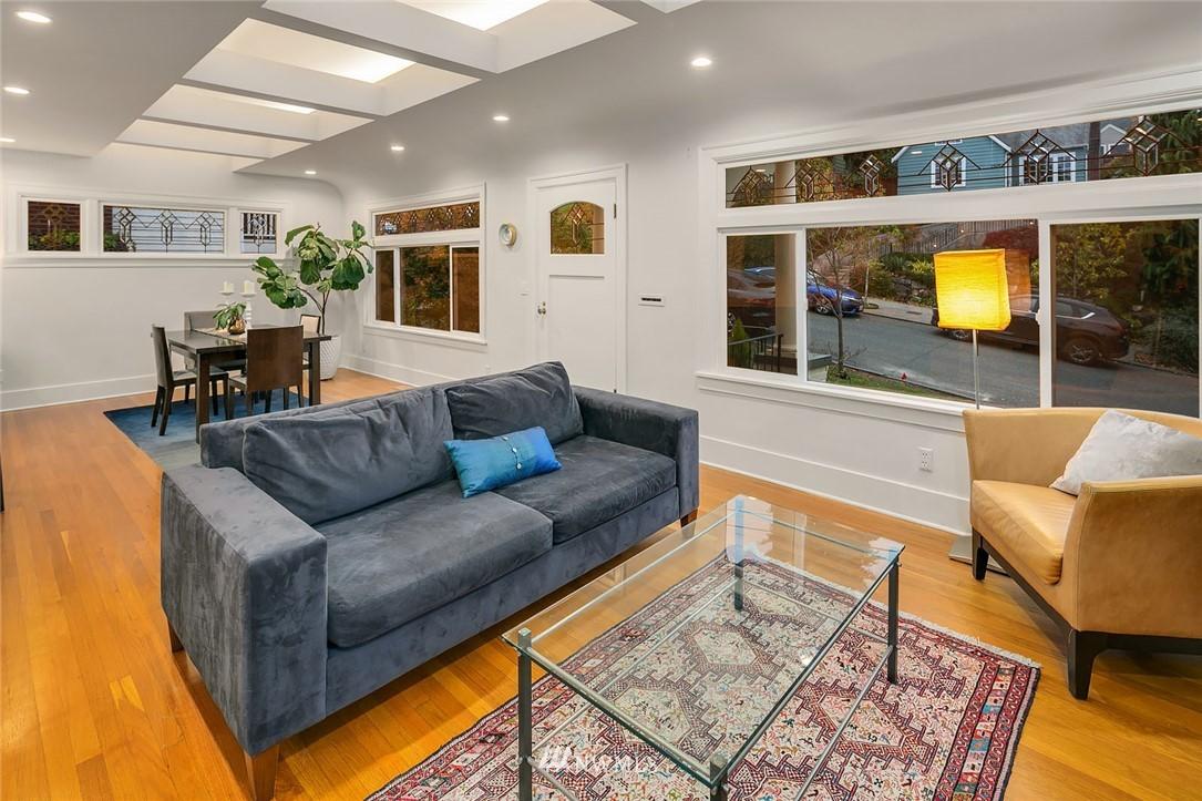 Sold Property | 2546 Warren Avenue N Seattle, WA 98109 5