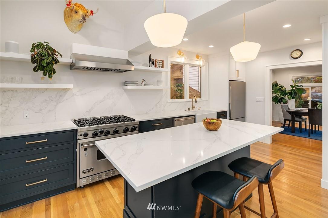 Sold Property | 2546 Warren Avenue N Seattle, WA 98109 9
