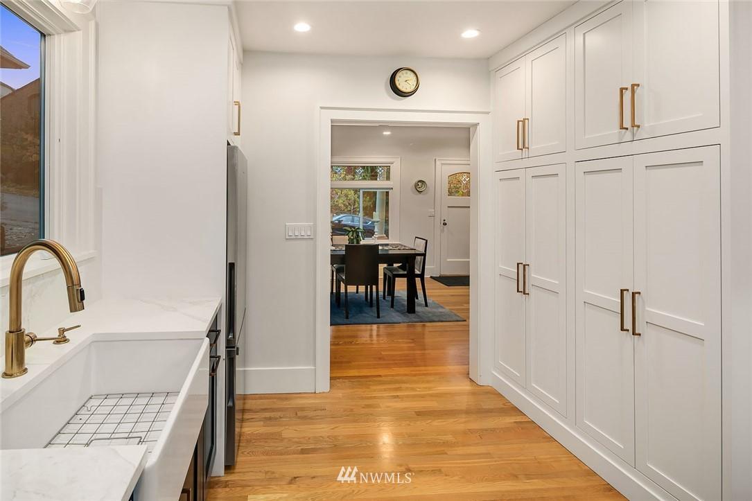Sold Property | 2546 Warren Avenue N Seattle, WA 98109 10