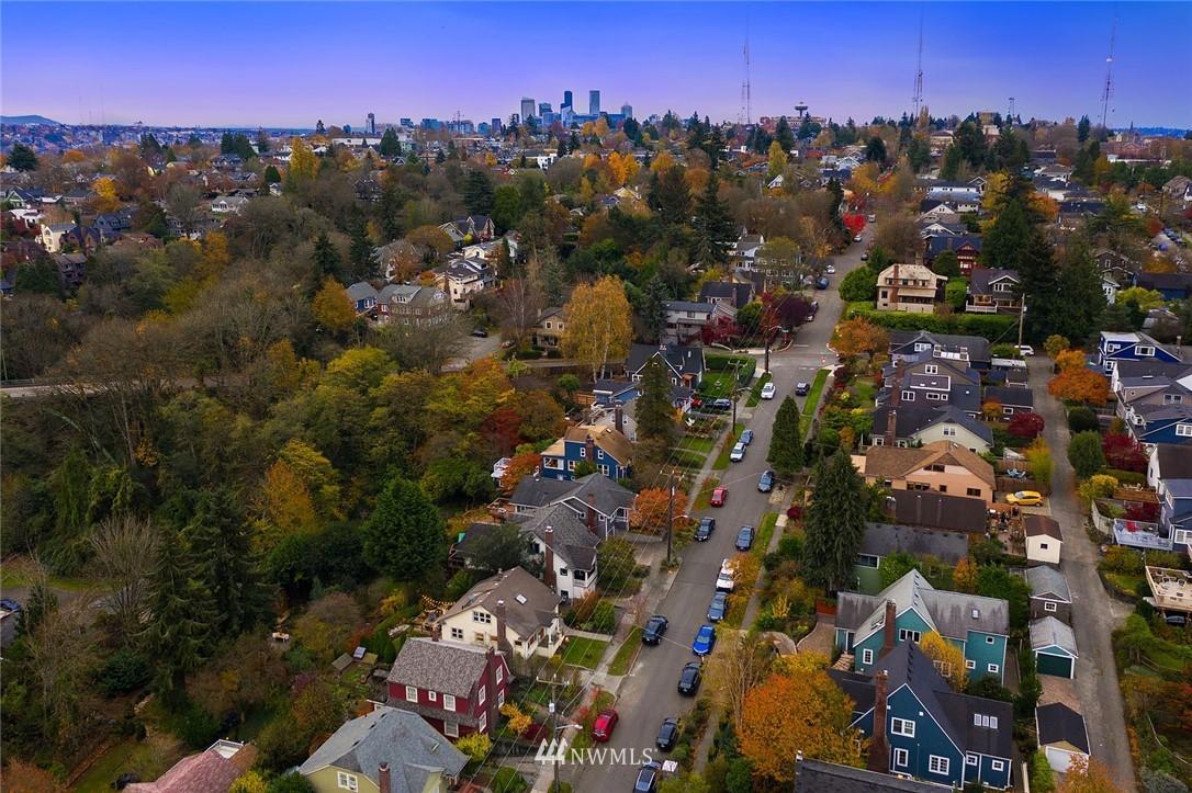 Sold Property | 2546 Warren Avenue N Seattle, WA 98109 36