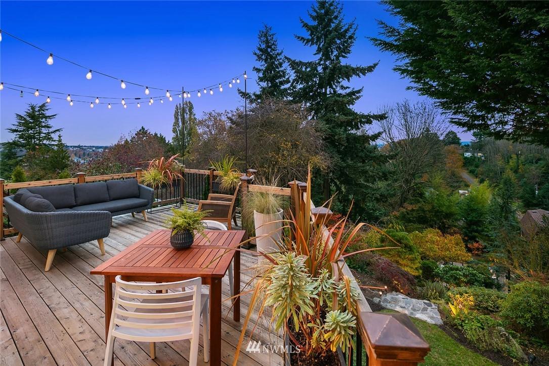 Sold Property | 2546 Warren Avenue N Seattle, WA 98109 26