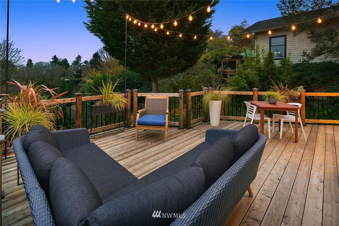 Sold Property | 2546 Warren Avenue N Seattle, WA 98109 24