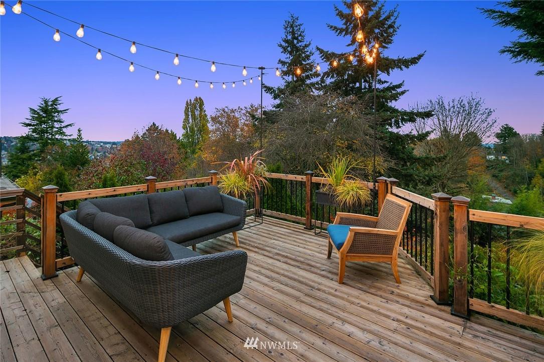 Sold Property | 2546 Warren Avenue N Seattle, WA 98109 25