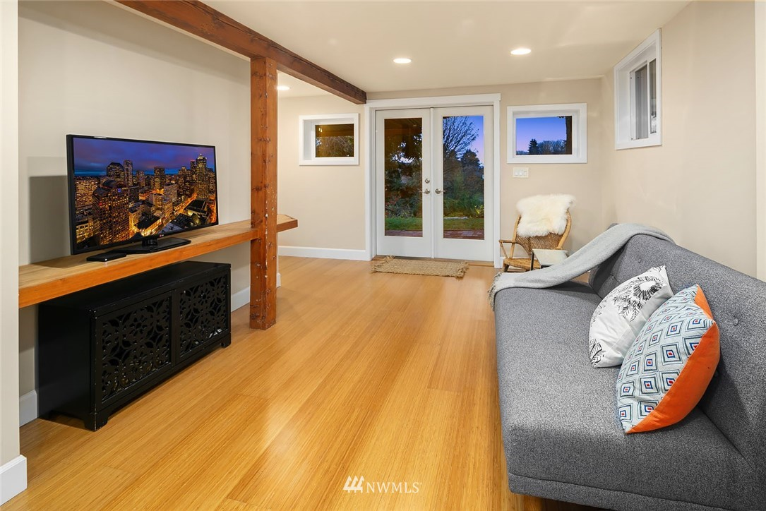Sold Property | 2546 Warren Avenue N Seattle, WA 98109 18