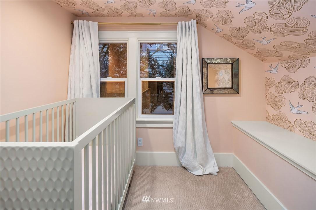 Sold Property | 2546 Warren Avenue N Seattle, WA 98109 15