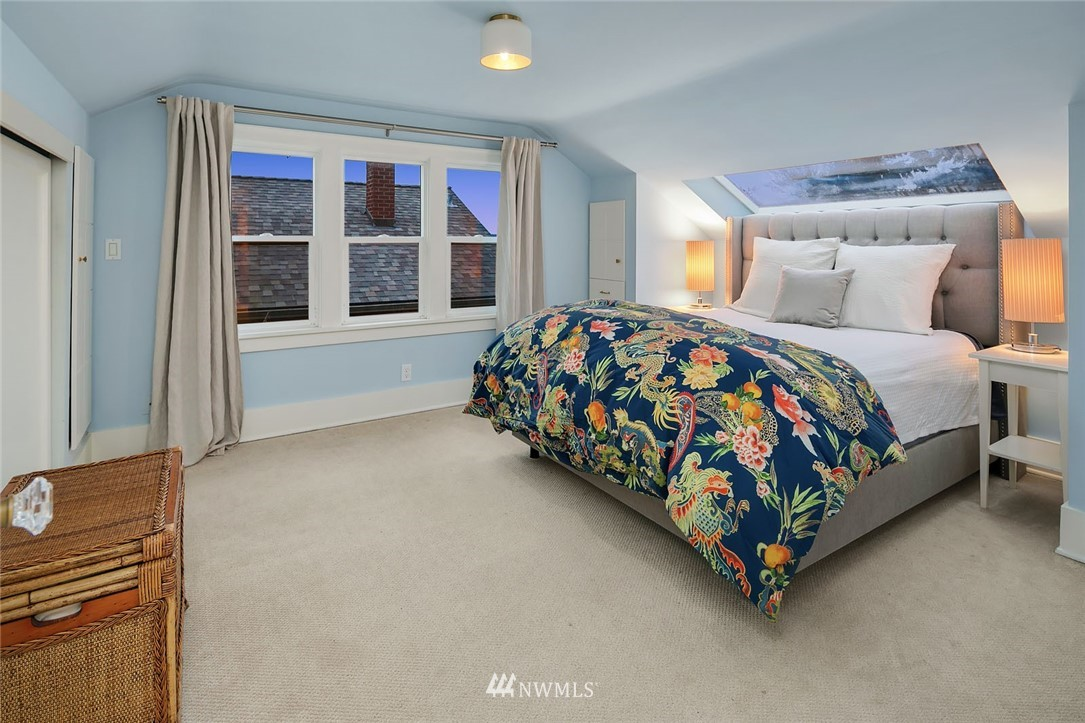 Sold Property | 2546 Warren Avenue N Seattle, WA 98109 14