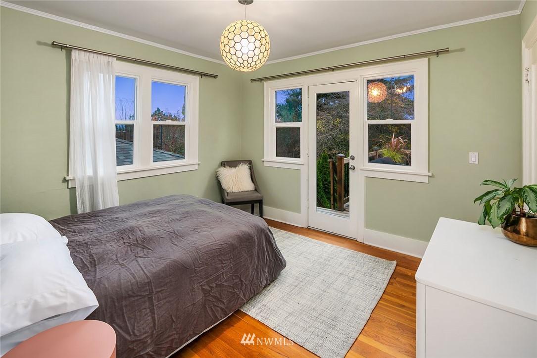 Sold Property | 2546 Warren Avenue N Seattle, WA 98109 11