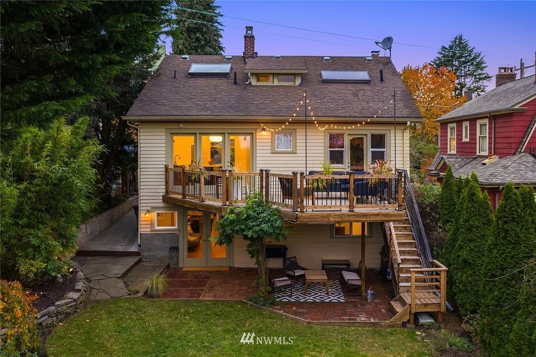 Sold Property | 2546 Warren Avenue N Seattle, WA 98109 22