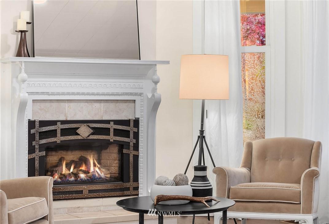 Sold Property | 135 NE 64th Street Seattle, WA 98115 4