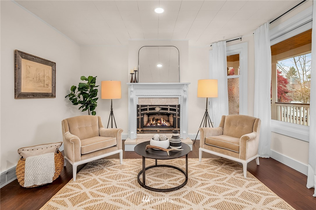 Sold Property | 135 NE 64th Street Seattle, WA 98115 3
