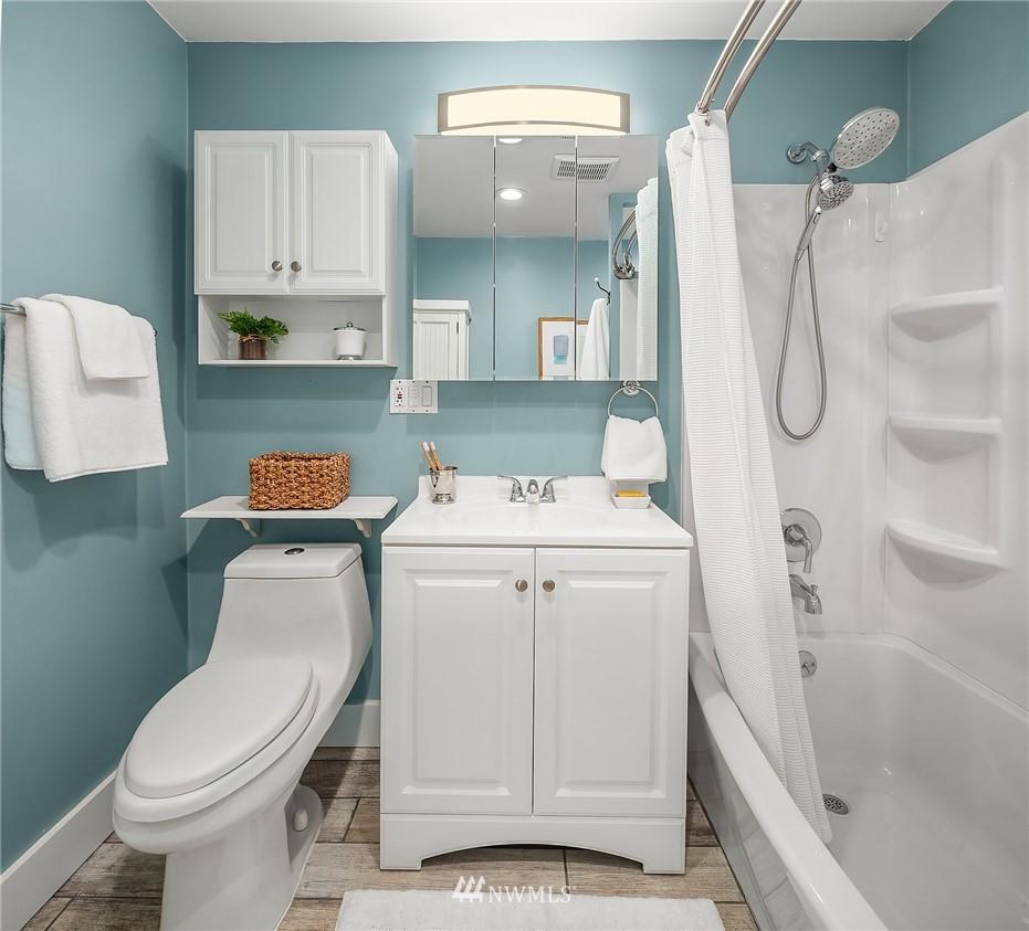 Sold Property | 135 NE 64th Street Seattle, WA 98115 18