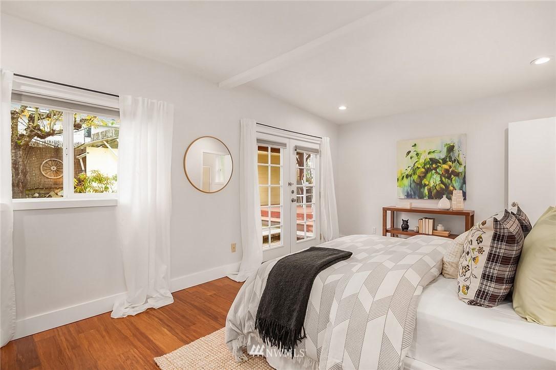 Sold Property | 135 NE 64th Street Seattle, WA 98115 15