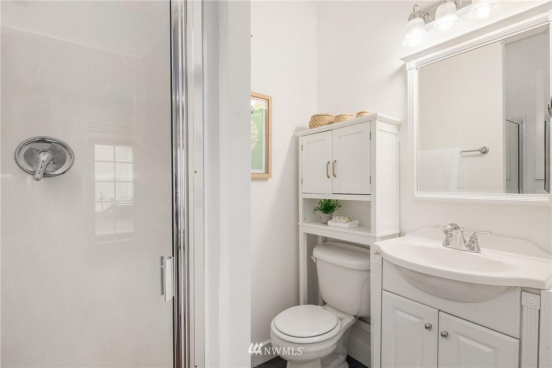 Sold Property | 135 NE 64th Street Seattle, WA 98115 16