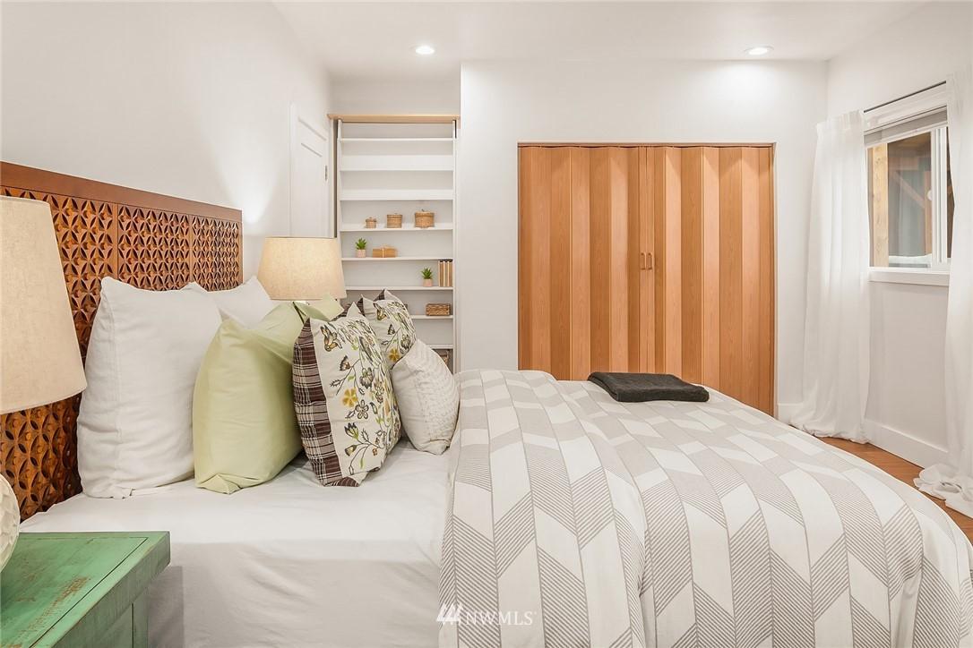 Sold Property | 135 NE 64th Street Seattle, WA 98115 14