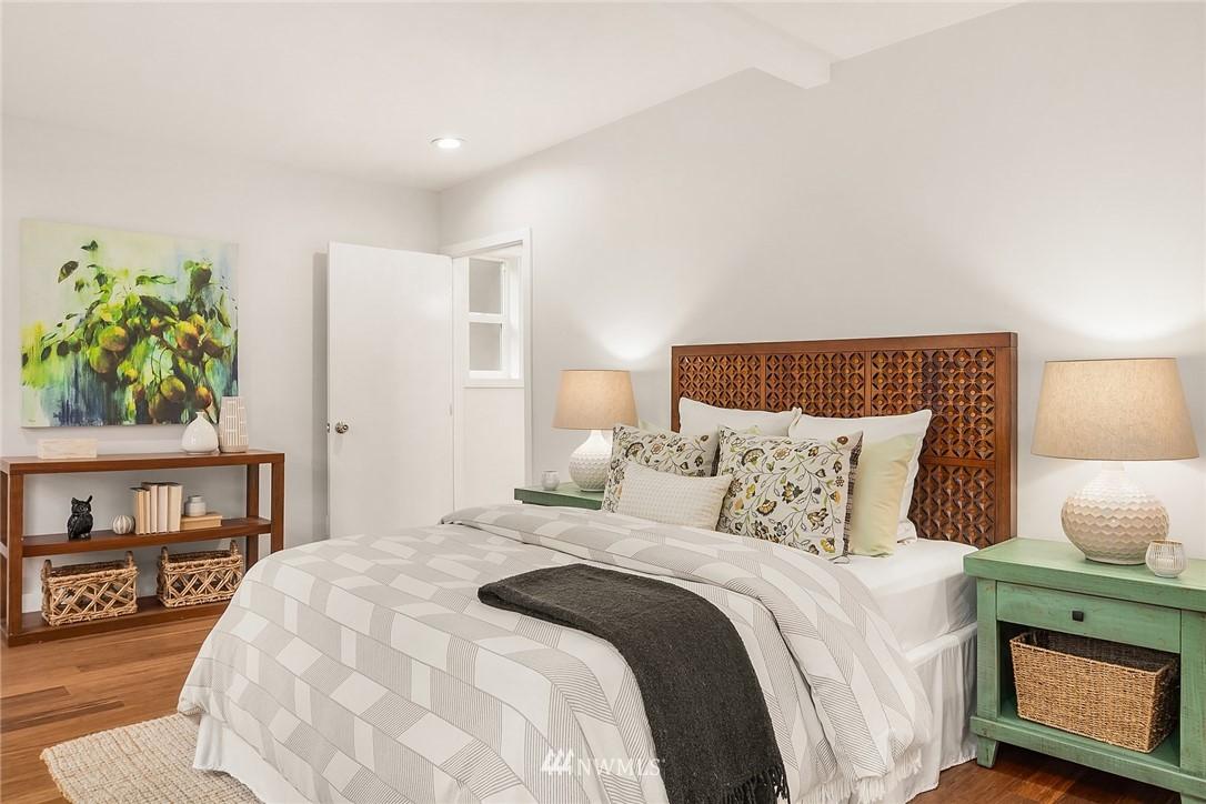Sold Property | 135 NE 64th Street Seattle, WA 98115 13