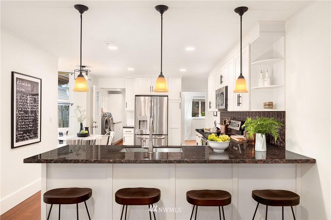 Sold Property | 135 NE 64th Street Seattle, WA 98115 11