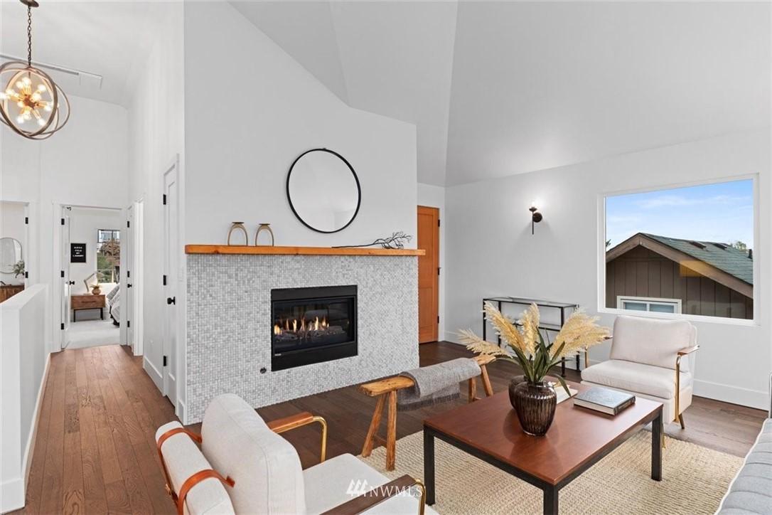 Sold Property | 3404 10th Avenue W Seattle, WA 98119 11