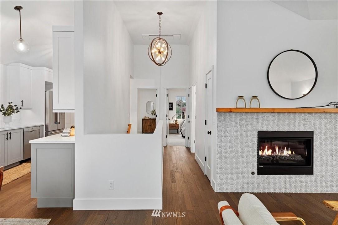 Sold Property | 3404 10th Avenue W Seattle, WA 98119 12