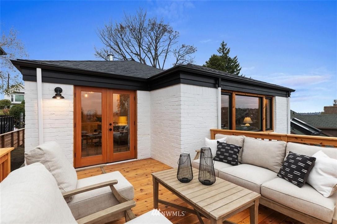 Sold Property | 3404 10th Avenue W Seattle, WA 98119 17