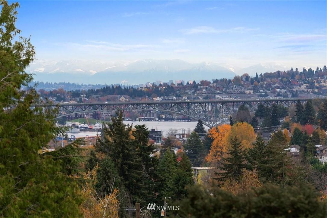 Sold Property | 3404 10th Avenue W Seattle, WA 98119 19
