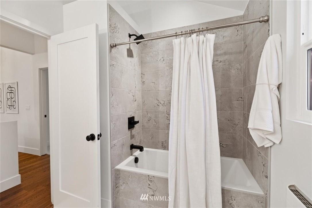 Sold Property | 3404 10th Avenue W Seattle, WA 98119 22