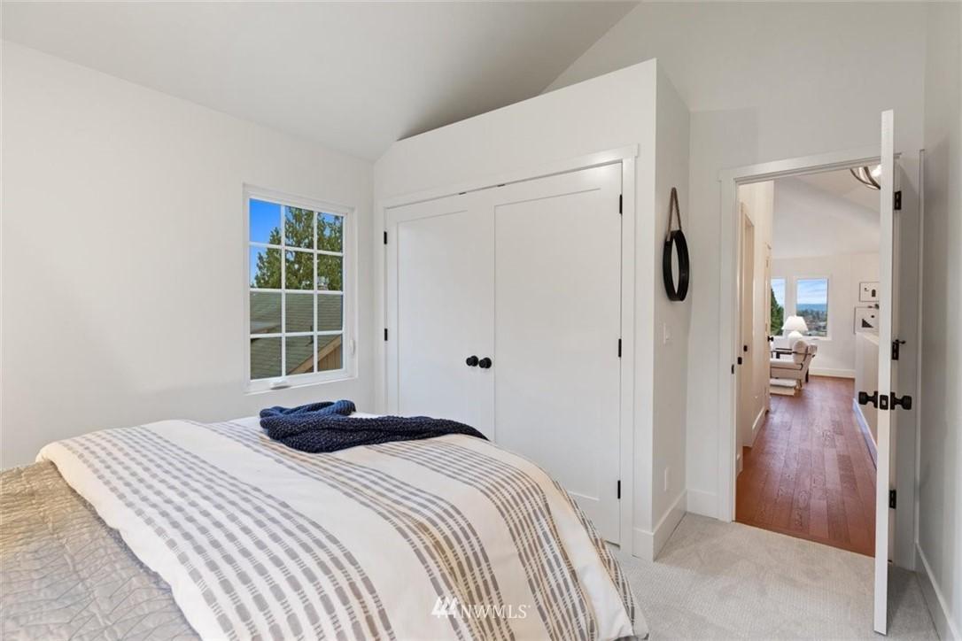 Sold Property | 3404 10th Avenue W Seattle, WA 98119 23