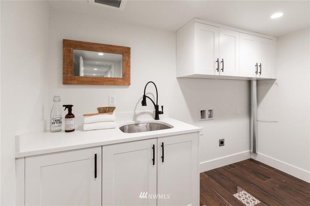 Sold Property | 3404 10th Avenue W Seattle, WA 98119 27