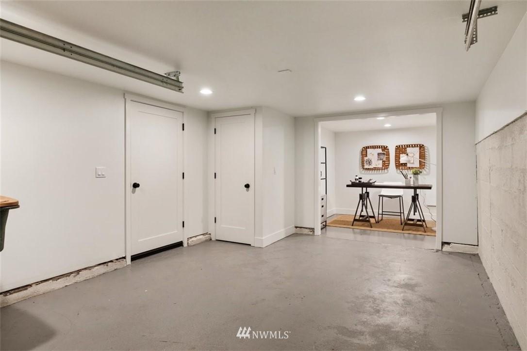 Sold Property | 3404 10th Avenue W Seattle, WA 98119 28