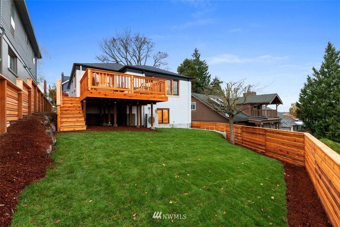 Sold Property | 3404 10th Avenue W Seattle, WA 98119 30