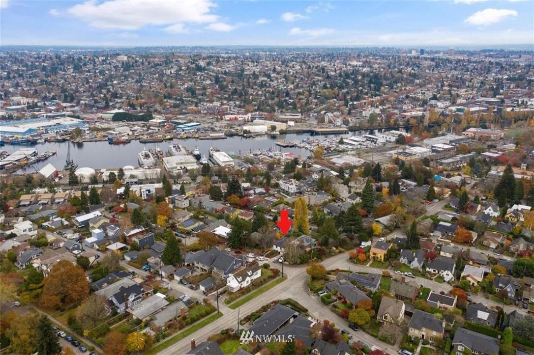 Sold Property | 3404 10th Avenue W Seattle, WA 98119 33