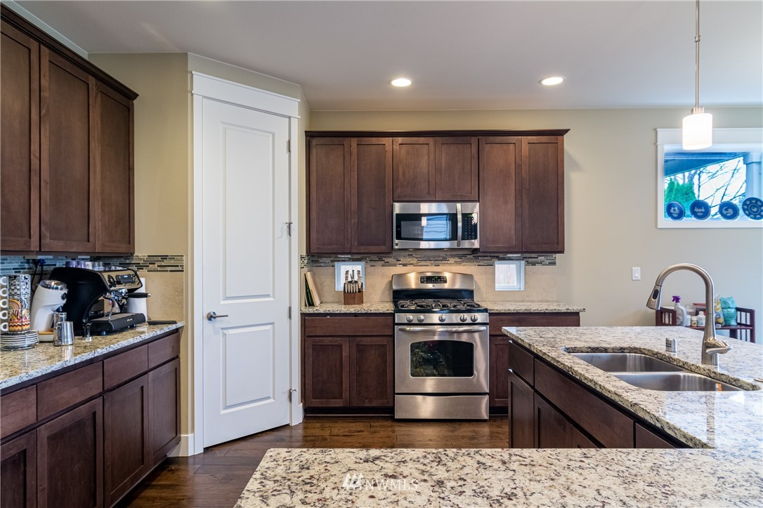 Sold Property   217 205th Place SW Lynnwood, WA 98036 10