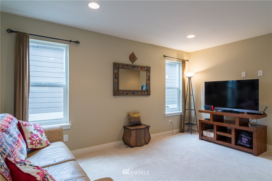 Sold Property   217 205th Place SW Lynnwood, WA 98036 19