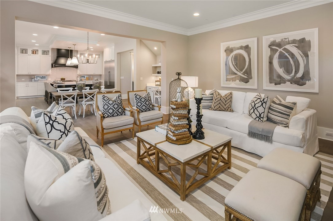 Sold Property | 7038 54th Avenue NE Seattle, WA 98115 8