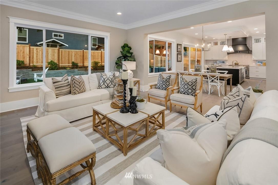 Sold Property | 7038 54th Avenue NE Seattle, WA 98115 9