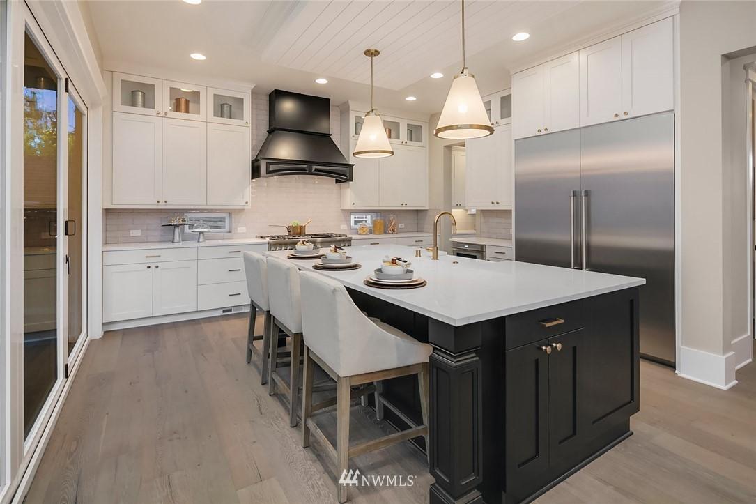 Sold Property | 7038 54th Avenue NE Seattle, WA 98115 11