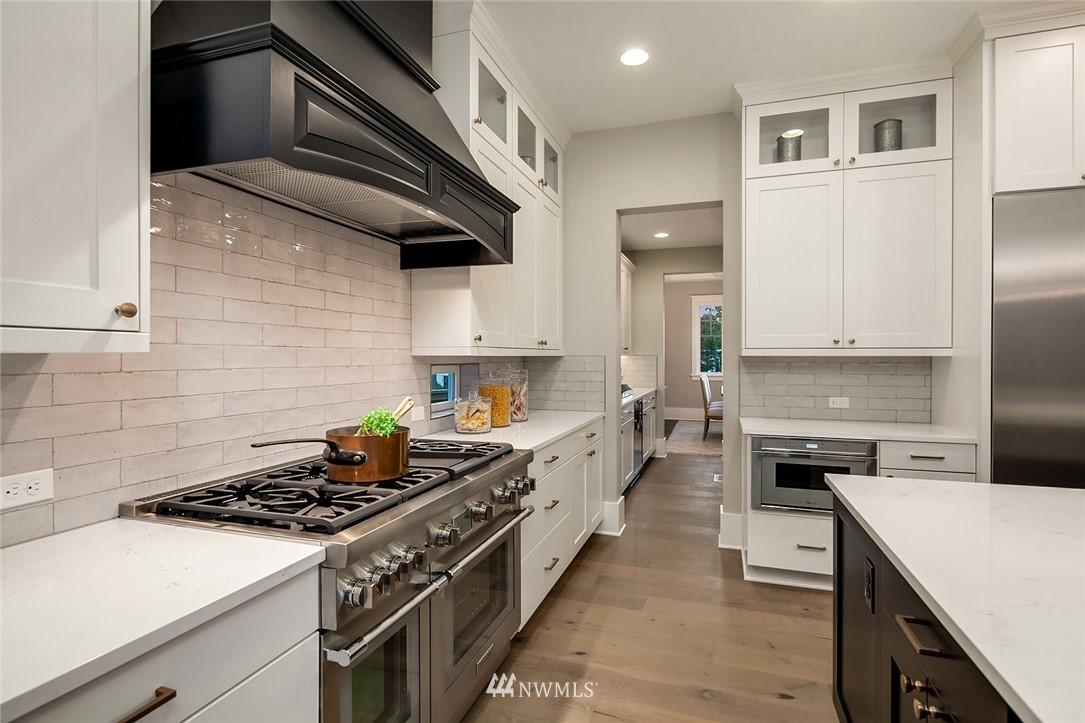 Sold Property | 7038 54th Avenue NE Seattle, WA 98115 15