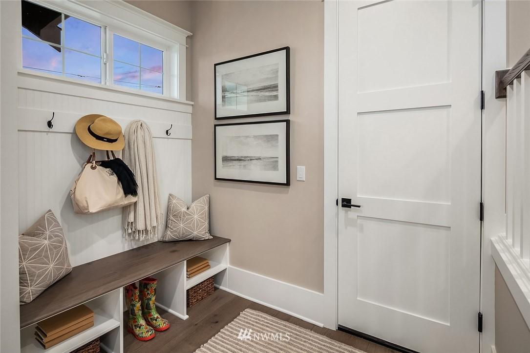 Sold Property | 7038 54th Avenue NE Seattle, WA 98115 16