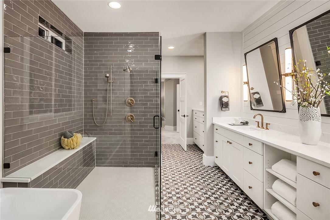 Sold Property | 7038 54th Avenue NE Seattle, WA 98115 25