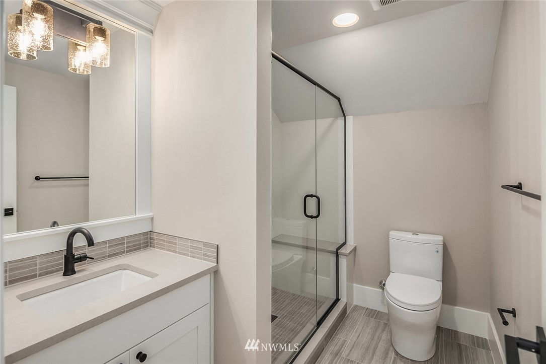 Sold Property | 7038 54th Avenue NE Seattle, WA 98115 28