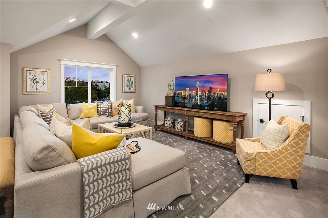 Sold Property | 7038 54th Avenue NE Seattle, WA 98115 31