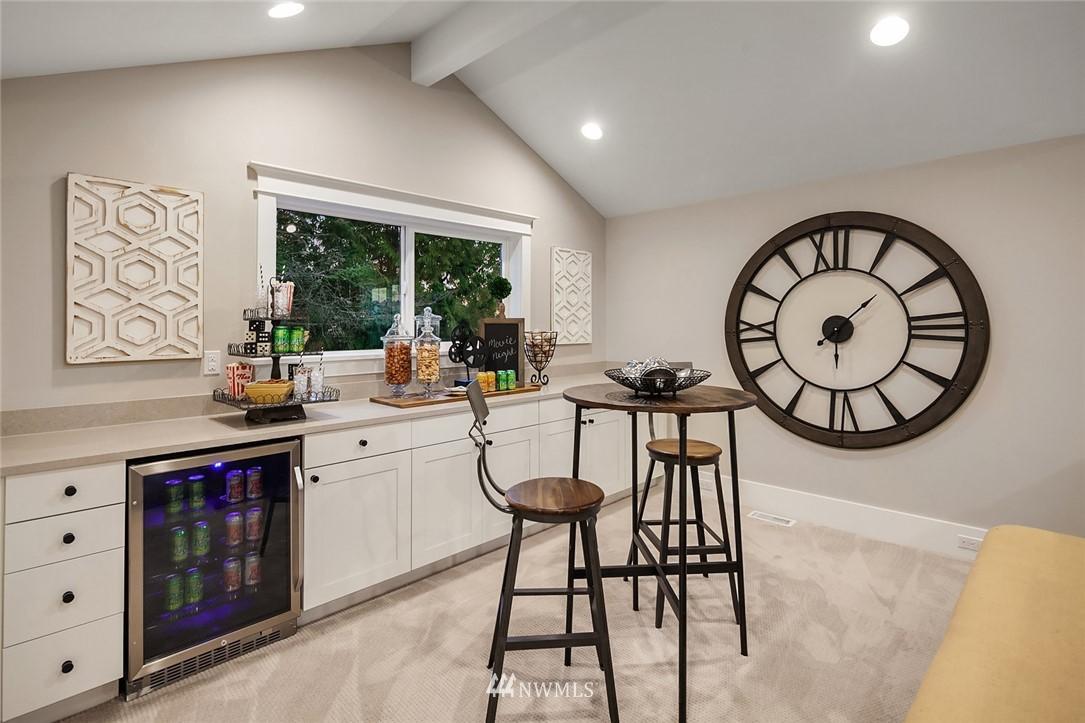 Sold Property | 7038 54th Avenue NE Seattle, WA 98115 32