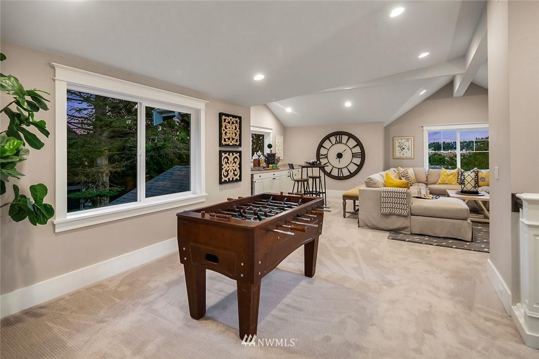 Sold Property | 7038 54th Avenue NE Seattle, WA 98115 35
