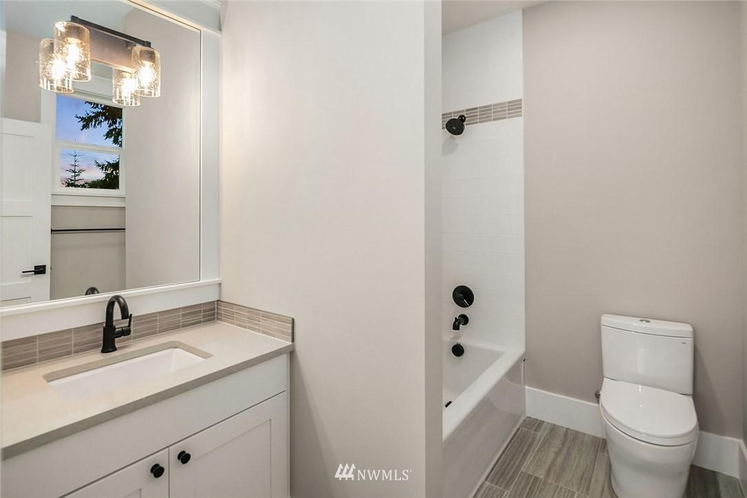 Sold Property | 7038 54th Avenue NE Seattle, WA 98115 37