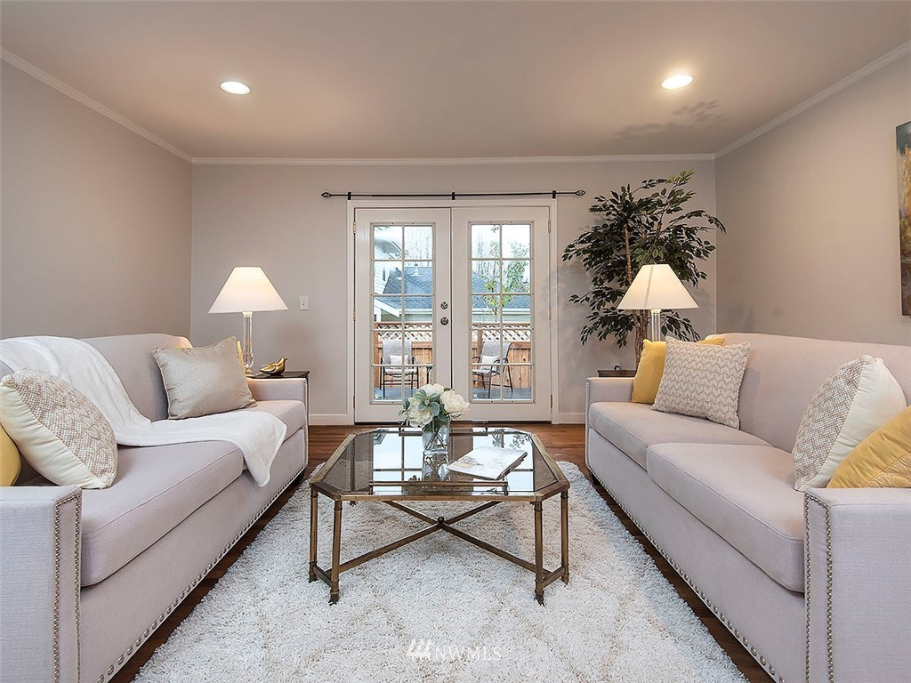 Sold Property | 8804 Corliss Avenue N Seattle, WA 98103 3