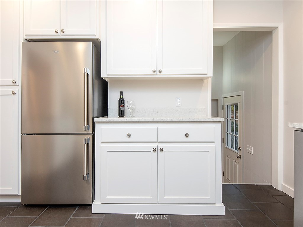 Sold Property | 8804 Corliss Avenue N Seattle, WA 98103 13