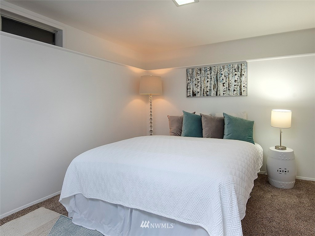 Sold Property | 8804 Corliss Avenue N Seattle, WA 98103 23