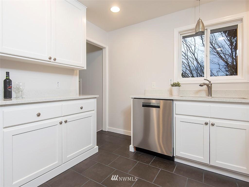 Sold Property | 8804 Corliss Avenue N Seattle, WA 98103 12